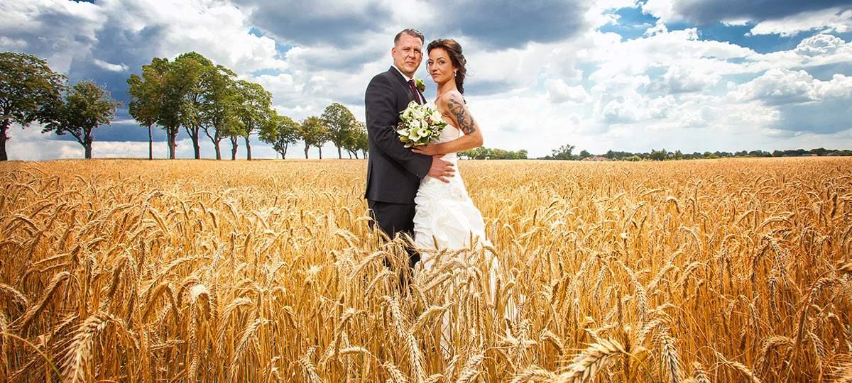 Hochzeitsfoto-Kornfeld
